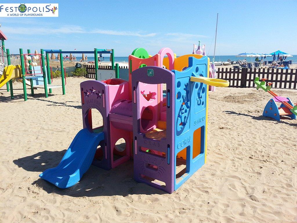 Gioco in plastica playcenter multicolor in polietilene costituito da passaggi, un tunnel, due scivoli. Ideale per aree gioco interne ed esterne.-1-FEGP 004 B