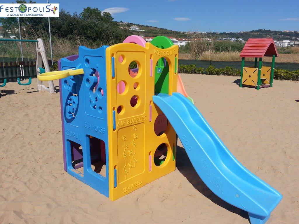 Gioco in plastica playcenter multicolor in polietilene costituito da passaggi, un tunnel, due scivoli. Ideale per aree gioco interne ed esterne.-3-FEGP 004 B