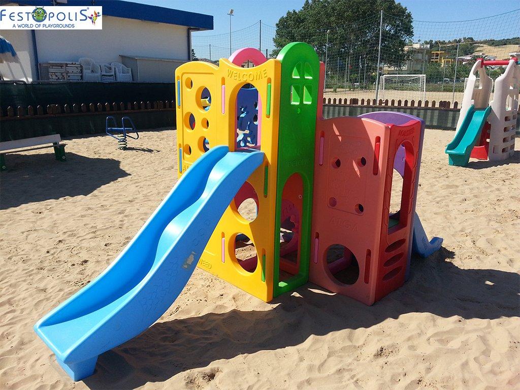 Gioco in plastica playcenter multicolor in polietilene costituito da passaggi, un tunnel, due scivoli. Ideale per aree gioco interne ed esterne.-4-FEGP 004 B