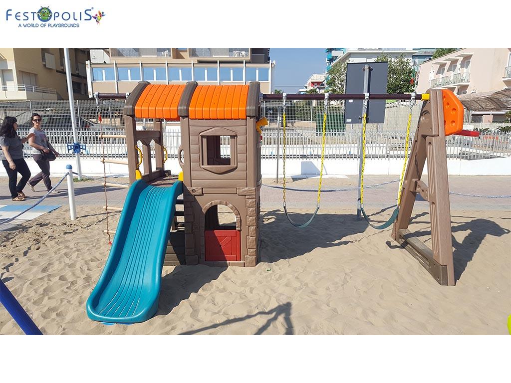 Castello delle altalene - gioco in plastica costituito da uno scivolo e due altalene. Costruito in polietilene con bulloneria in acciaio inox.-3-FEGP 097
