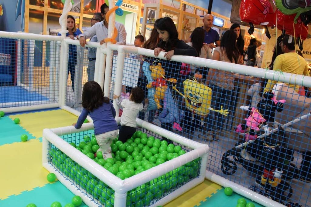 FEPP-005 Piscina con palline, vasca di palline, piscina di palline